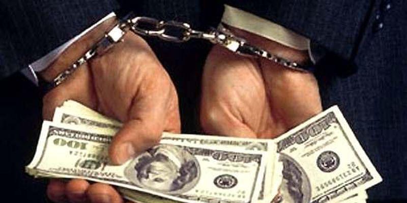 В.о. директора Закарпатського облавтодору затримали на хабарі у 325 тис. грн
