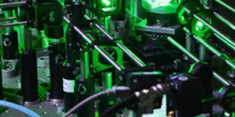 Алгоритм машинного обучения самостоятельно изучает законы квантовых систем