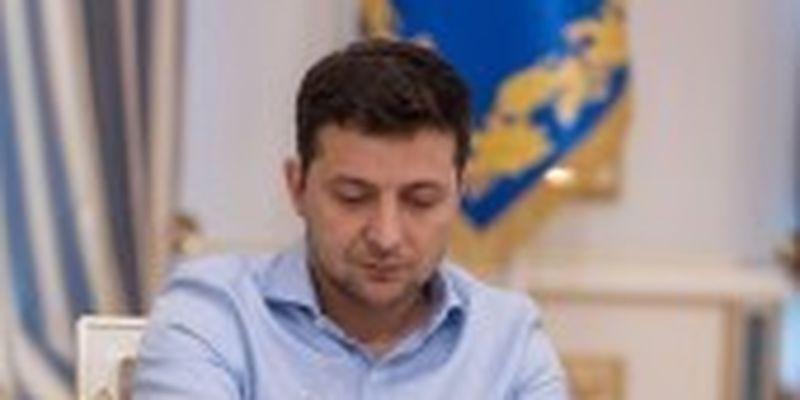 Зеленський підписав закон про декретні відпустки для татусів
