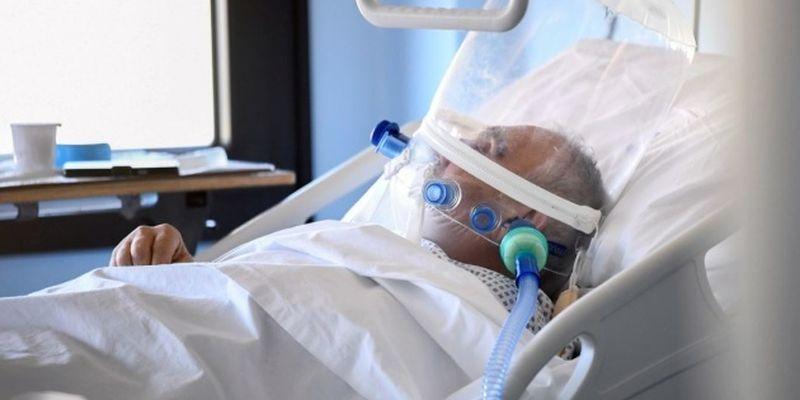 Медицинская система Украины не выдержит 30 тысяч COVID-больных в сутки - Степанов