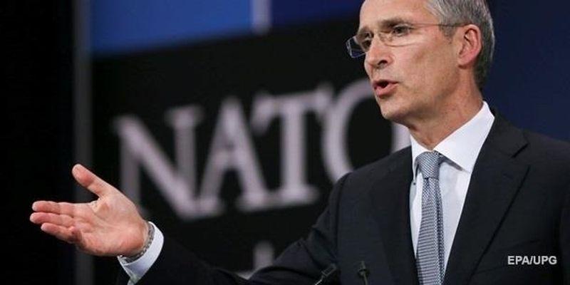 В НАТО заявили о десятках тысяч военных РФ на границе и в Крыму