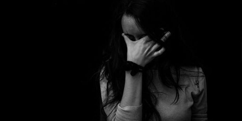 Намагалася вчинити самогубство: під Херсоном троє підлітків зацькували 8-класницю інтернату