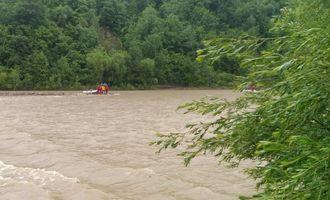 В Карпатах на отдыхе погиб 12-летний мальчик: десятки спасателей всю ночь искали тело