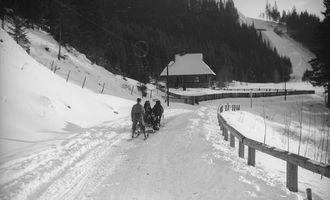На лижі в Карпати: Архівні зйомки засніженої Ворохти у 1930-х