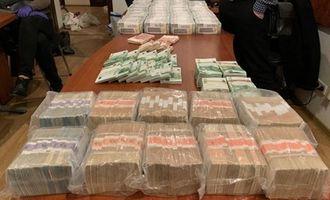 НАБУ нашло у брата судьи Вовка антиквариат и миллионы в валюте: фото