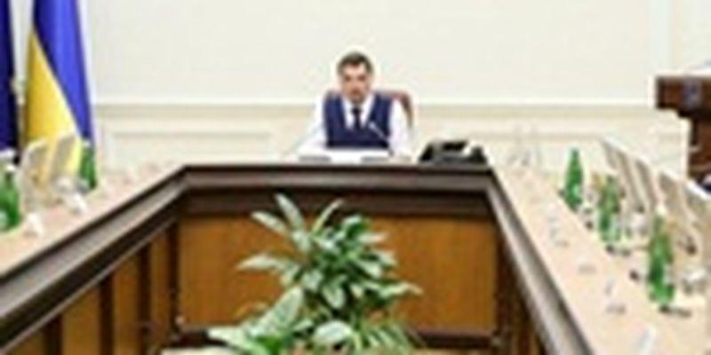 В Кабмине решили публиковать зарплаты министров, чтобы не переписываться со СМИ