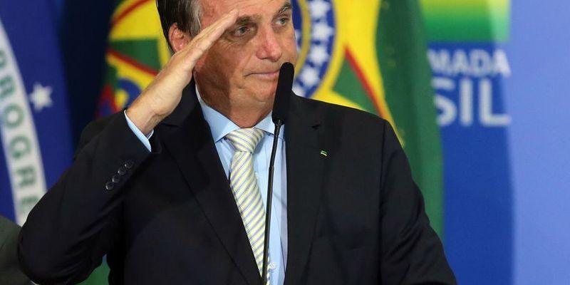 За антиковидную риторику: YouTube удалил несколько видео из канала президента Бразилии