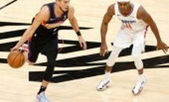 """Баскетбол: """"Фінікс"""" переміг на старті півфінальної серії плей-офф НБА"""