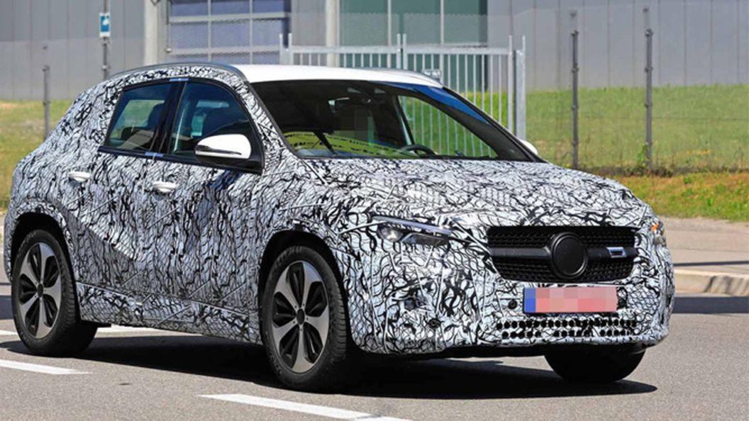 Mercedes-Benz вивів на тести друге покоління GLA