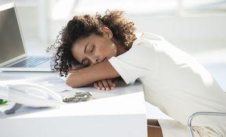 Йога против бессонницы: 10 эффективных асан перед сном