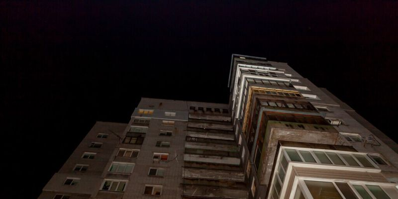 Девушка в Днепре покончила с собой, прыгнув с балкона
