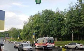 В Харькове подросток выпал из кабины канатной дороги и попал под авто