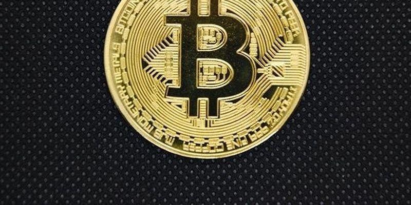 Карты с биткоинами: это становится реальностью