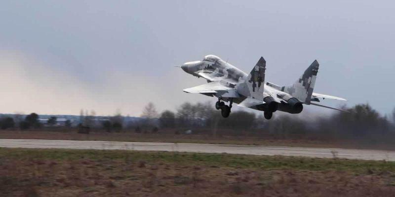Воздушные бои на Волыни: украинские истребители учатся сбивать низколетящие цели