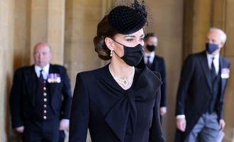 Кейт Миддлтон пришла на похороны Филиппа в жемчужном колье из коллекции королевы: фото/В свое время его носили принцесса Диана и сама королева Елизавета II