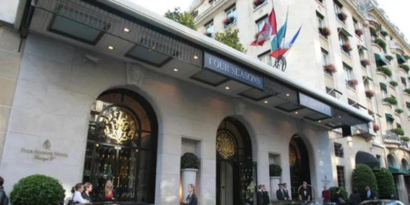 """В Париже ограбили """"самый лучший в мире отель"""""""
