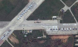 «РФ нарощує авіаційну міць». WSJ показала супутникові знімки російської бойової авіації у Криму