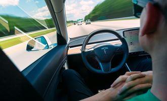 Автопілот за підпискою: в Tesla запропопували альтернативний варіант сплати за популярну опцію