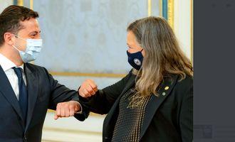 США рассмотрят возможность своего участия в урегулировании на Донбассе, – Нуланд