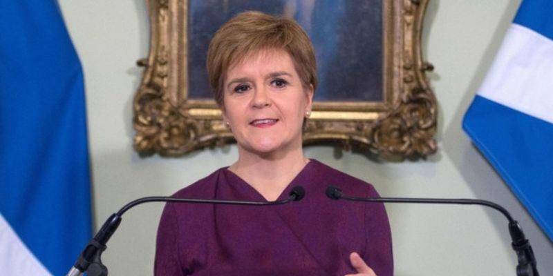 Шотландия вводит строжайшие карантинные ограничения
