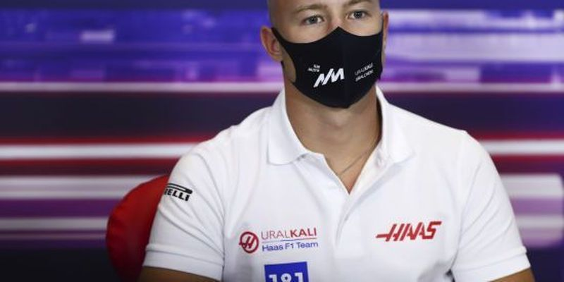 Жодного етапу без скандалу: син російського мільярдера розлютив своїми діями на трасі лідера гонки в Португалії