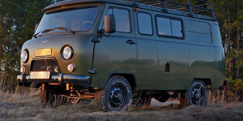Російська якість: УАЗ робить автомобілі із фанери та палиць
