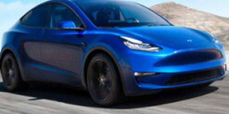 Tesla розповіла, як часто займаються її електромобілі
