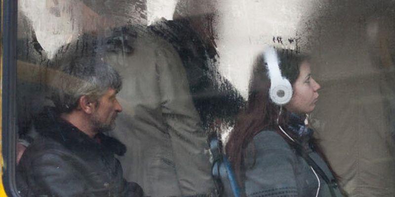 Депутати хочуть заборонити музику в громадському транспорті