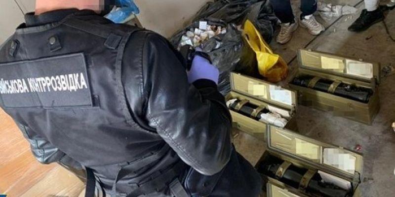СБУ разоблачила экс-чиновника оборонного концерна на хищении оптических прицелов