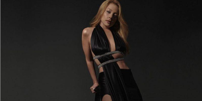 Тина Кароль в мегасексуальном платье поразила сеть