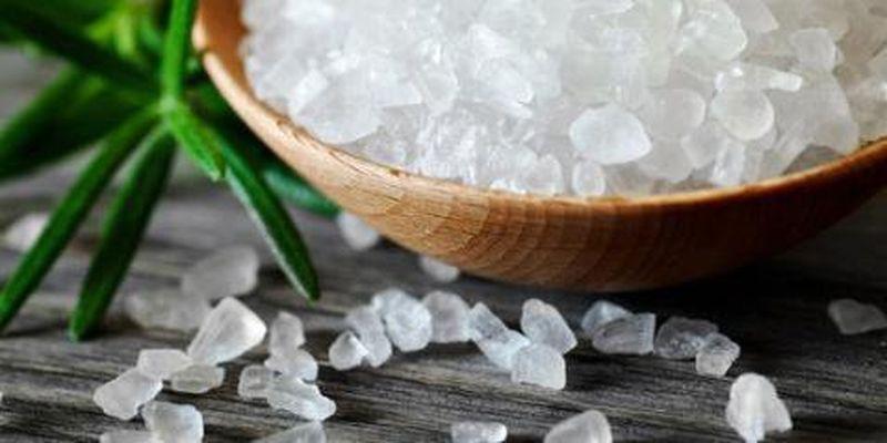 Відмова від солі допомагає схуднути