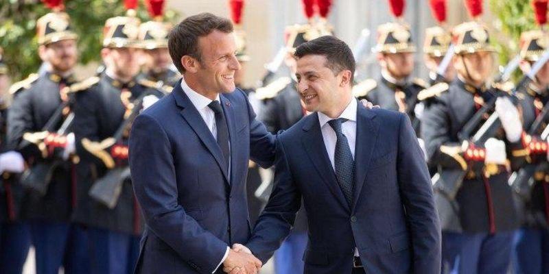 Встречай, Париж: Зеленский едет на тет-а-тет с Макроном