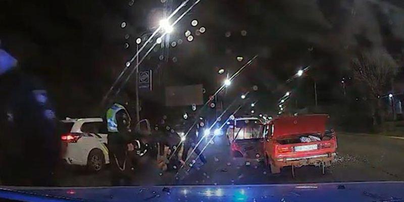 В Павлограде с погоней и стрельбой задержали ВАЗ