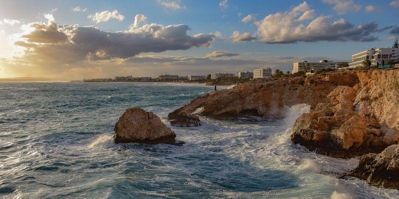 На Кипре туристы смогут покидать территорию отеля два раза в день
