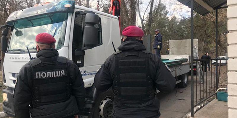 В Киеве полиция осматривает охранную фирму