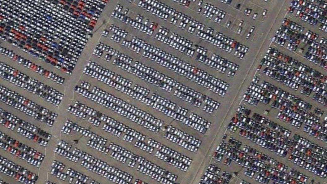 Що роблять з новими автомобілями, які не продали в салоні