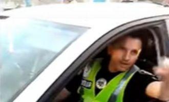 """""""Тьфу на тебя"""": на Волыни жители уличили копов в нарушении ПДД и выгнали полицию из села"""