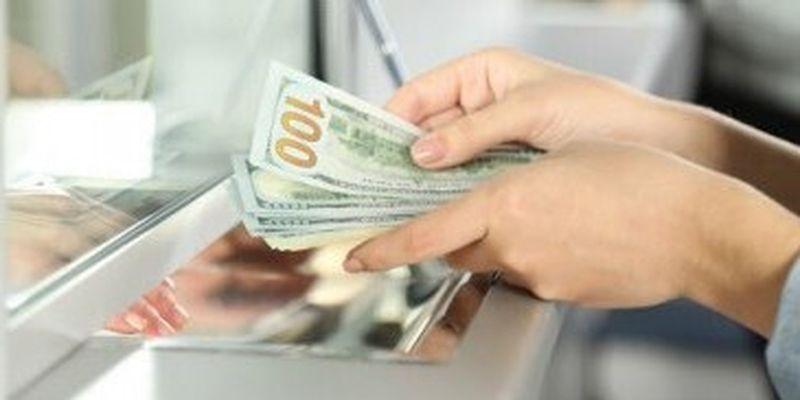 Украинцы в апреле продали валюты больше, чем купили, - Данилишин