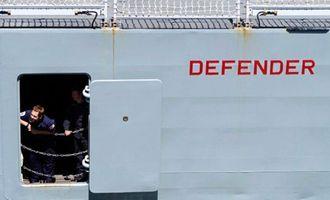 Использовали 4 авиабомбы: новые детали обстрела Россией британского эсминца возле Крыма
