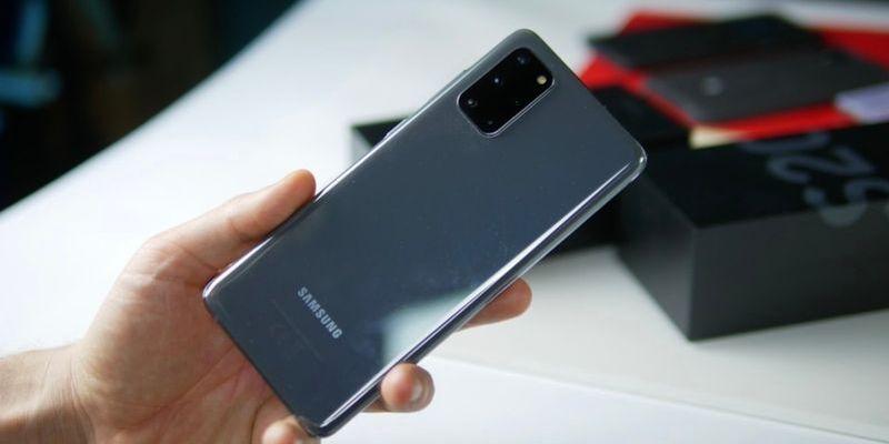 Samsung Galaxy S20 FE: смартфон получит такой же дисплей, как у Galaxy S20+