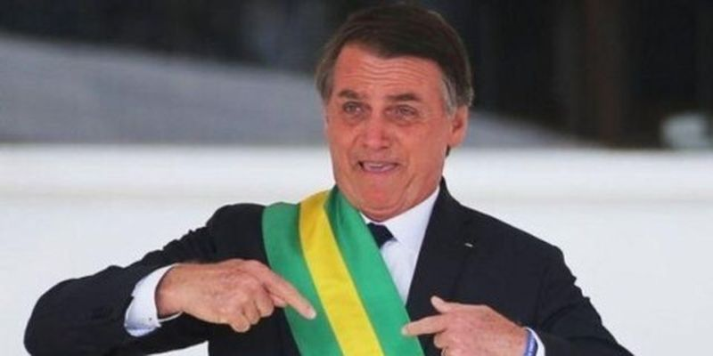 YouTube удалил видео президента Бразилии за рапространение фейков о коронавирусе