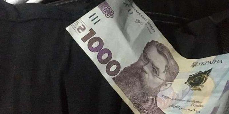 33-річного буковинця, який хотів підкупити патрульних, оштрафували на 17 тис. грн