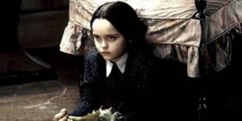 Тим Бертон снимет для Netflix сериал про одну из героинь Семейки Аддамс