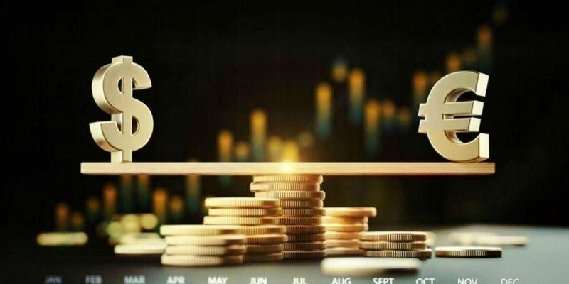 Доллар взял реванш, а евро обвалился: курс валют в Украине на 18 февраля