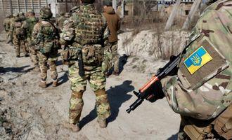 На Донбасі через обстріл бойовиків загинув український військовий, ще один - у тяжкому стані