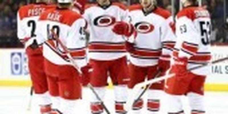 """Продовжили серію без поразок: лідер НХЛ здобув перемогу в овертаймі над """"Коламбусом"""""""