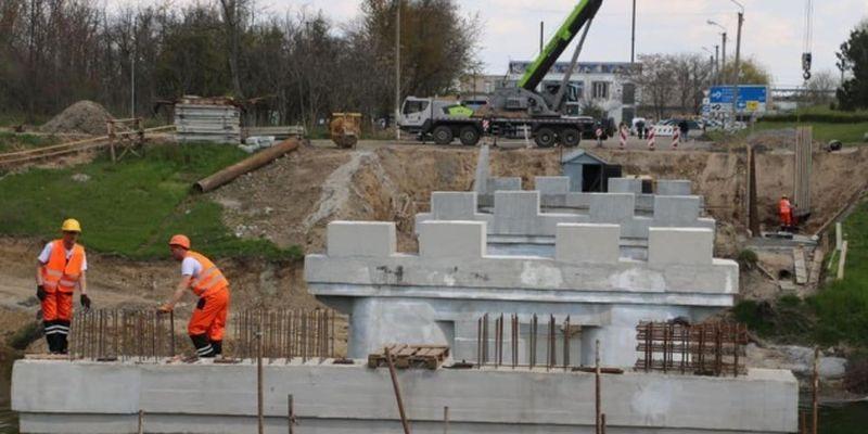 На Херсонщине восстанавливают мост через Северо-Крымский канал