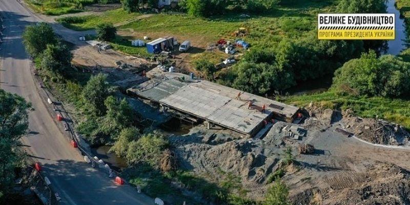 Мост, который соединит самый длинный маршрут Украины, капитально ремонтируют - фото