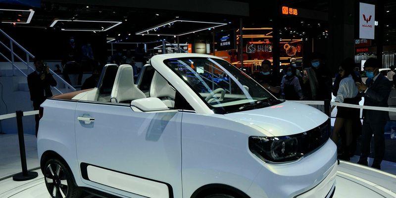 Китайська компанія Wuling Automobile представила «народний» електричний кабріолет