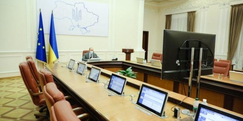 Кабмин разрешил Минобороны импортировать товары военного назначения
